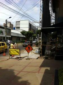 Los carros ahora solo tienen un carril en la carrera 35A entre calles 48 y 49. - Suministrada Aura Sisa / GENTE DE CABECERA