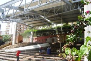 Luego de tres meses de labores, a inicios de diciembre estará lista la cubierta de la gradería de la concha acustica José A. Morales, en el parque Mejoras Públicas.  - Suministrada / GENTE DE CABECERA