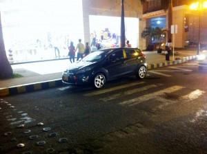Este fue el vehículo mal estacionado sobre la carrera 38. - Suministrada /GENTE DE CABECERA