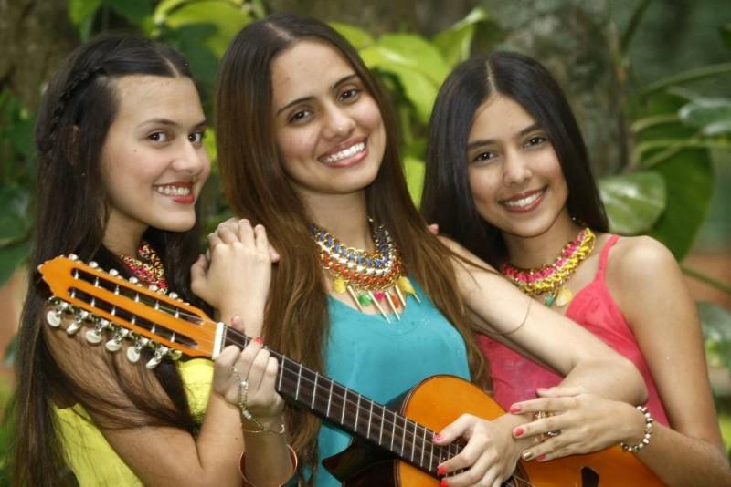 Estas hermanas son excelentes intérpretes de bambucos, pasillos, guabinas y demás ritmos colombianos de diferentes cantautores y compositores de ests géneros musicales