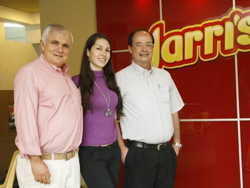 Juan Manuel Serrano, María Ximena Rojas y Felipe Serrano.