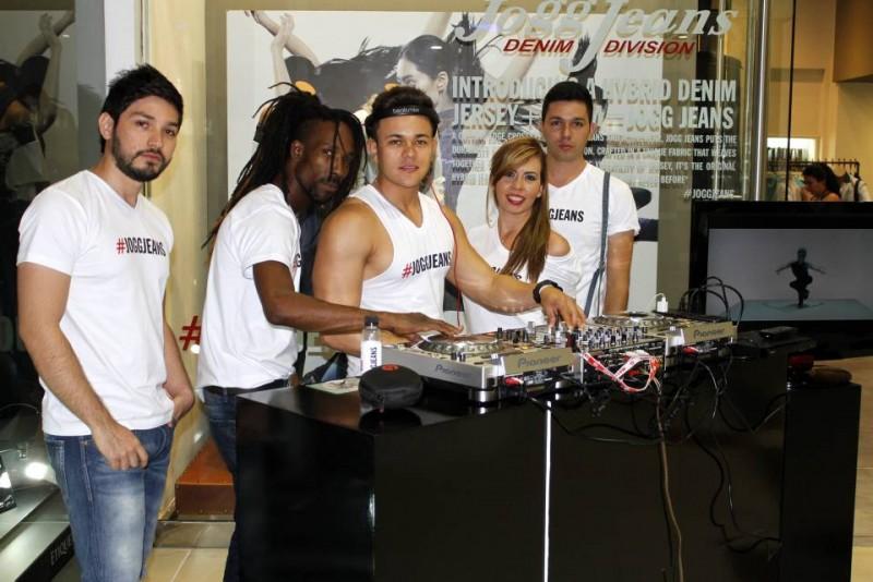 Jonathan Contreras, Alexander Mosquera, Dj Jerac, Angélica Santos y Stiven Santos.
