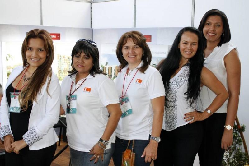 Inacar: Susan Galeano, Claudia Noguera, Sofía Hernández, Libia Díaz y Erika Martínez.