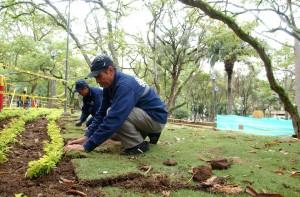 Un vecino del parque San Pío le recuerda a la Alcaldía la importancia de mantener los parques a los que se les hace embellecimiento. - Jaime Del Río / GENTE DE CABECERA