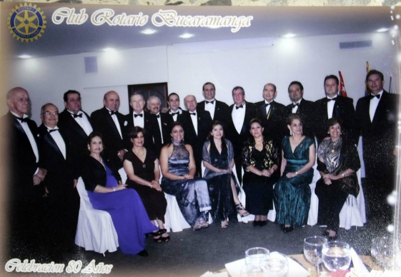Este es parte del grupo que hoy integra el Club Rotario de Bucaramanga, que cumple 80 años de vida