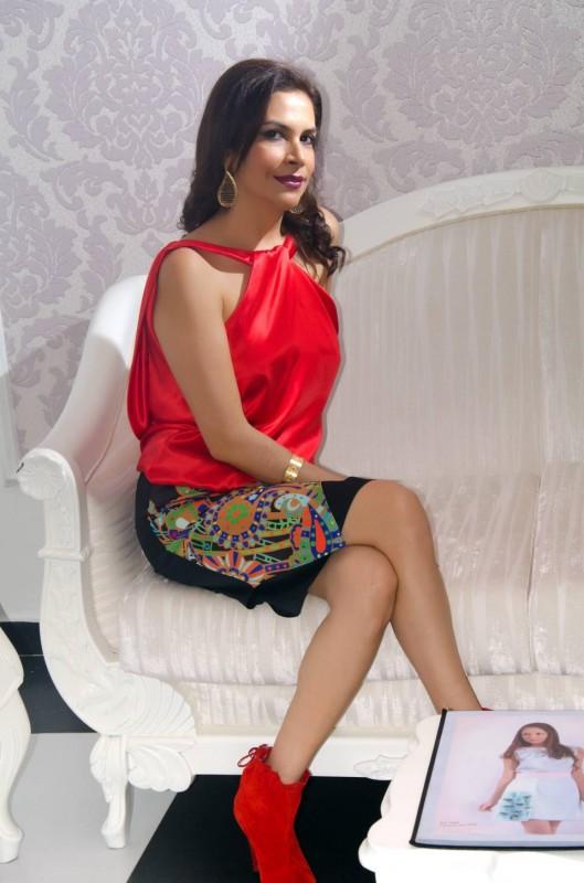 Mercedes Reyes siempre luce imponente y lúcida con sus propios diseños