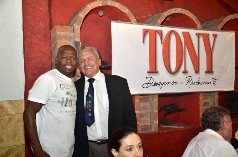 'El Tino' Asprilla y Carlos Contreras. - Suministrada Manuel Reyes /GENTE DE CABECERA