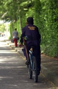 Un vecino de El Prado se queja por el uso del pito de un vigilante. - Archivo /GENTE DE CABECERA