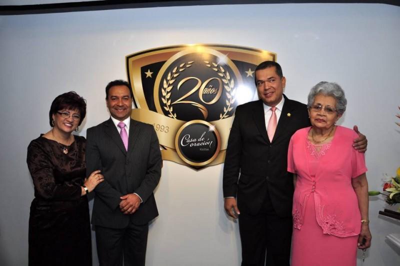 Pastora Amparo Cubillos, Pastor Juan Guzmán, Pastor Nelson Ángel y Elvia de Cubillos. - Laura Herrera /GENTE DE CABECERA
