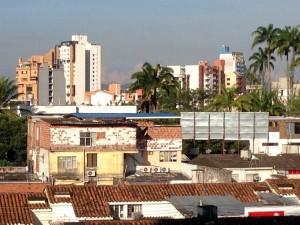 """""""Así se ve por la parte trasera el hotel"""", dice el Periodista del Barrio. - Suministrada Carlos Sierra /GENTE DE CABECERA"""