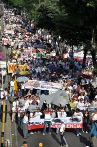 Por la calle 36 bajaron los más de 7 mil asistentes a la marcha.