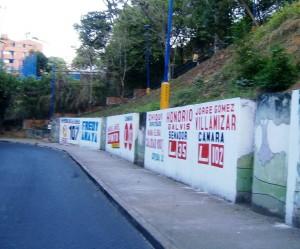 En la imagen enviada por el lector se evidencia la campaña política en uno de los muros del parque La Loma. - Suministrada Rodrigo Velasco / GENTE DE CABECERA