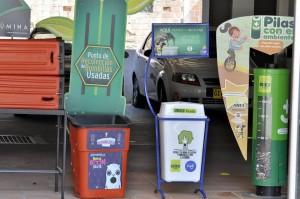 Estos son algunos de los sitios de depósito de elementos reciclables que tiene la universidad