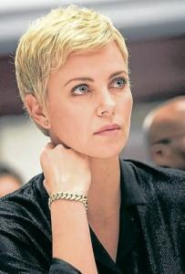 La actriz Charlize Theron es un claro ejemplo de un rostro ovalado