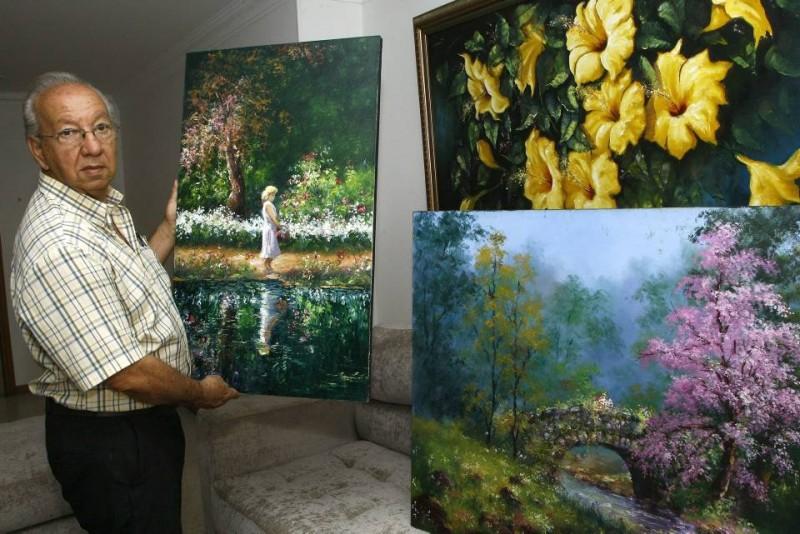 El pintor Manolo Torres enfatiza en la importancia de elaborar y tener obras auténticas y no copias de verdaderos artistas.