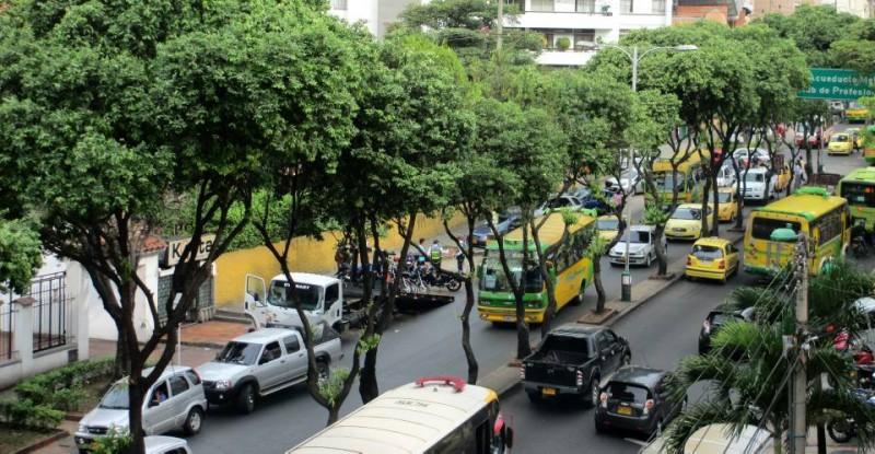 La foto indica un operativo de Tránsito en la carrera 33 entre calles 42 y 44. Suministrada /GENTEDECABECERA