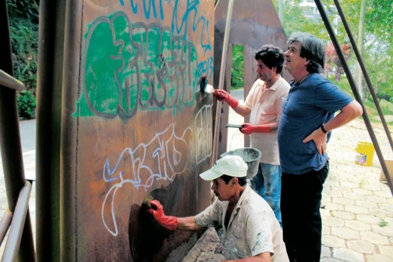 La remoción de los grafitis es una tarea cada vez más difícil, por la composición química de las pinturas y marcadores