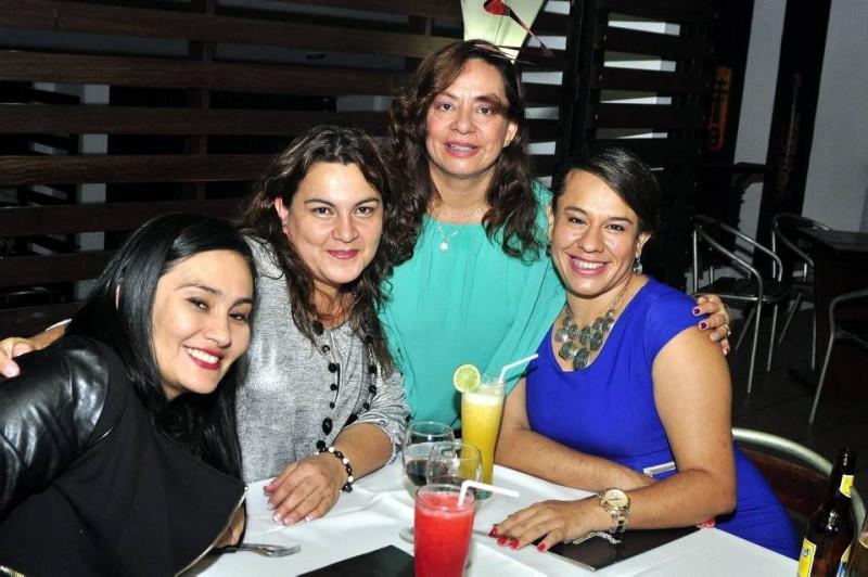 Iris Jazmín Hernández, Marlene Mesa Mesa  y Mónica Johana Rueda y Francely Arciniegas. - Laura Herrera / GENTE DE CABECERA