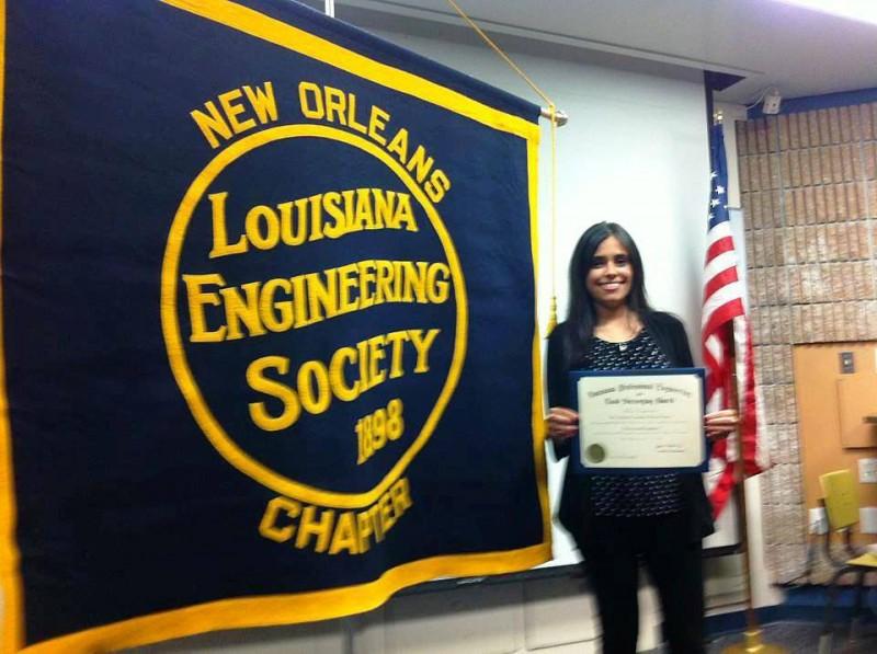 Adriana Carolina Ohoa Castro en la ceremonia de certificación. - Suministrada / GENTE DE CABECERA