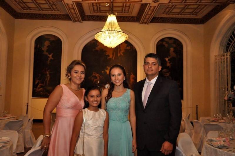 Liliana Castillo, Mariana Acevedo, Ana C. Acevedo y Gustavo Acevedo. - Didier Niño / GENTE DE CABECERA