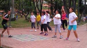 El lector se queja porque los ejercicios diarios en el parque inician muy temprano. - Archivo /GENTE DE CABECERA