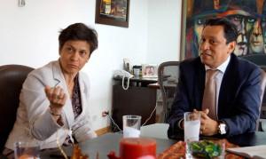 La embajadora de la Unión Europea para Colombia, María Antonia Van Gool ha estado pendiente, junto al alcalde Luis Francisco Bohórquez, de la programación de la cumbre. - Suministrada /GENTE DE CABECERA
