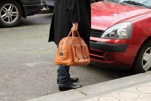 La mujer denunció que el sujeto la acusaba públicamente de haber robado su propio bolsso, esto con el fin de confundir a la gente. - Tomada de Internet / GENTE DE CABECERA