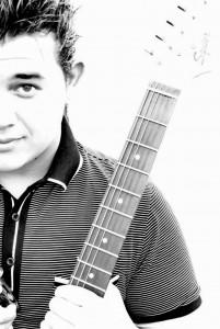 El cantante de La Voz Colombia, Jessi Uribe se presentará en Acuarela