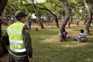A pesar de que la Policía hace controles en el parque San Pío, es este uno de los sitios preferidos por muchos jóvenes para consumir drogas. - Archivo / GENTE DE CABECERA