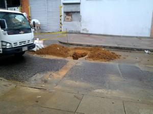 Una vez más obras en la calle 41 afectan a vecinos del sector. - Suministrada /GENTE DE CABECERA