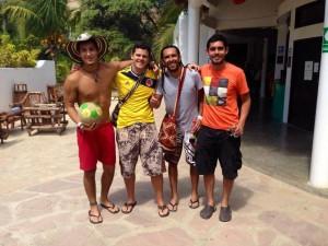 Michael, Edinson y Álvaro salieron de Bogotá hacia Brasil y en su camino se encontraron en Perú con Julián.