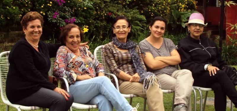 Ángela Buitrago, Ligia Rojas, Gladys Basto, Rosalba Peña de Sánchez y Mati Basto. - Suministrada /GENTE DE CAEBCERA