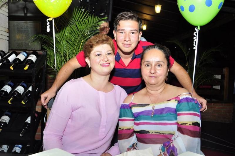 Liliana Amparo Plata, Luisa Morelia y William Fernando Pitta. - Laura Herrera /GENTE DE CABECERA