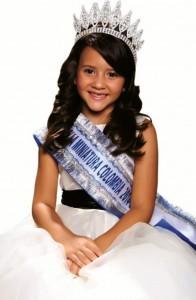Virginia Rey Cadena fue elegida Niña Cinderella Colombia por parte de la academia de modelos y reinas Clímaco Otero. - Suministrada /GENTE DE CABECERA