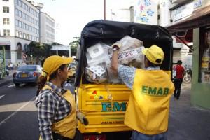 Estos trabajadores recogen más de 500 toneladas diarias de residuos sólidos. - Archivo / GENTE DE CABECERA