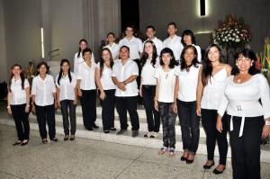 El coro de la parroquia Sagrado Corazón de Jesús está listo para debutar el domingo a las 12. - Laura Herrera /GENTE DE CABECERA