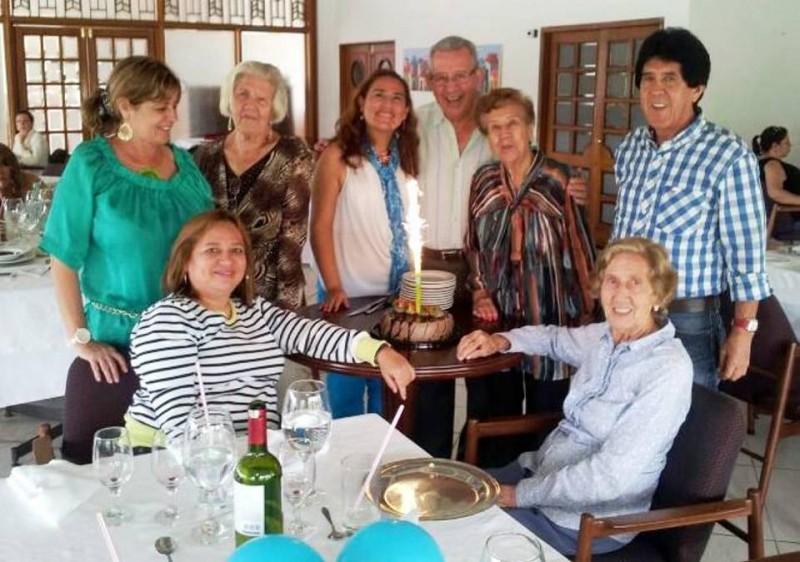 Nelsy Bautista, Gloria de Zabala, Hilda Otero, Gina Suescún, Roberto Bautista, Georgina Otero, Alejandro Zabala y Aura Otero. - Suministrada/GENTE DE CABECERA