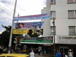 Esta era una de las esquinas más invadidas por publicidad, es la calle 56 con carrera 33. - Suministrada / GENTE DE CABECERA