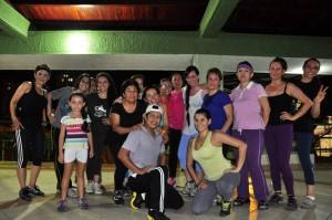 Ellas conforman el grupo de bailoterapia liderado por doña Leonor Álvarez