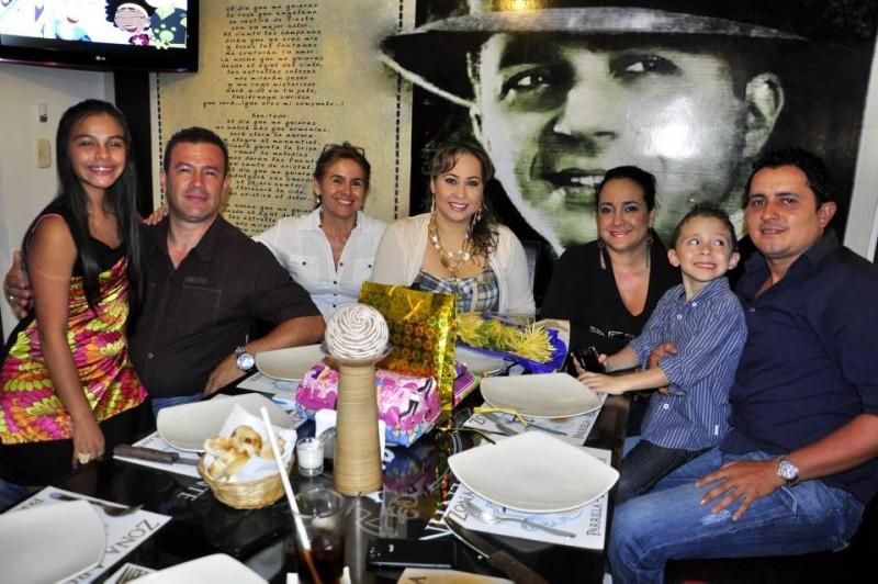 Paula Molano, Arturo Molano, Ana Castellanos, Laura María Peña, Diana Marcela Peña, Santiago Uribe Peña y Edwin Uribe. - Laura Herrera / GENTE DE CABECERA