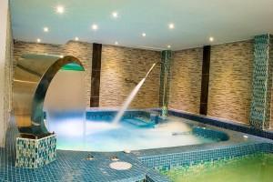La piscina tiene cinco estaciones con chorros especializados.  - Suministrada/GENTE DE CABECERA