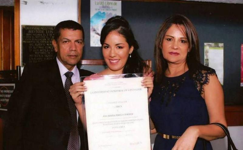 Edberto Pinilla Castellanos, Ana María Pinilla Torres y María Nectalia Torres de Pinilla. - Suministrada / GENTE DE CABECERA