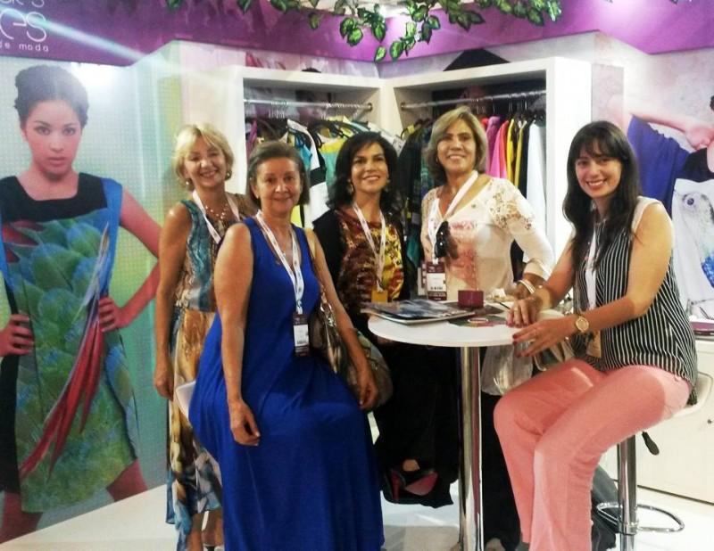 Ruth Lozada, Gloria Vélez, Mercedes Reyes, Carmen Elvira Urbiñez y Libia Durán. - Suministrada/ GENTE DE CABECERA