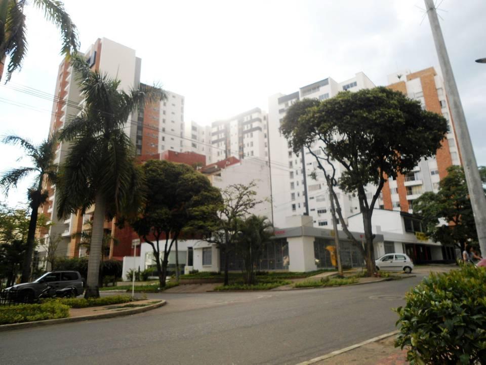 Una manzana de contrastes gente de cabecera for Arquitectura las palmas