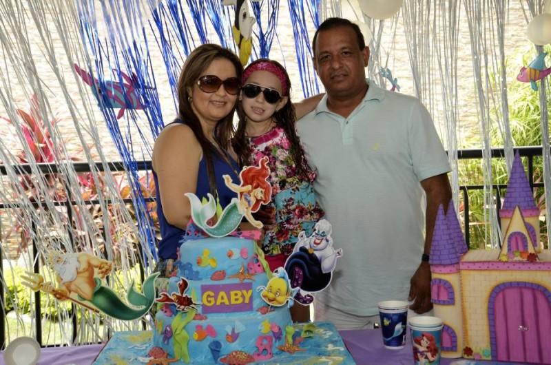 Sandra Patricia Parada Rueda, Gabriela Velásquez y Leonardo Fabio Velásquez. - Suministrada Manuel Reyes Fotografía / GENTE DE CABECERA
