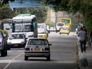 La carrera 45 que atraviesa los barrios Terrazas y La Floresta es de gran flujo vehicular. - Archivo / GENTE DE CABECERA