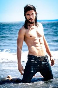 Rubén Casalins en uno de sus estudios como modelo.