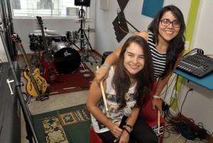 Alejandra Robles y Silvia Mideros son un ejemplo juvenil de emprenderismo. - Didier Niño/ GENTE DE CABECERA