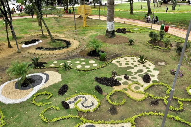 En el centro del parque San Pío se diseñó un jardín para seguir embelleciendo este lugar de uso público