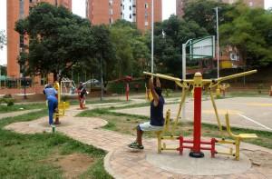 Un vecino del parque de Los Leones sugiere que a las actividades deportivas que se realizan con música se les modere el volumen. - Archivo / GENTE DE CABECERA